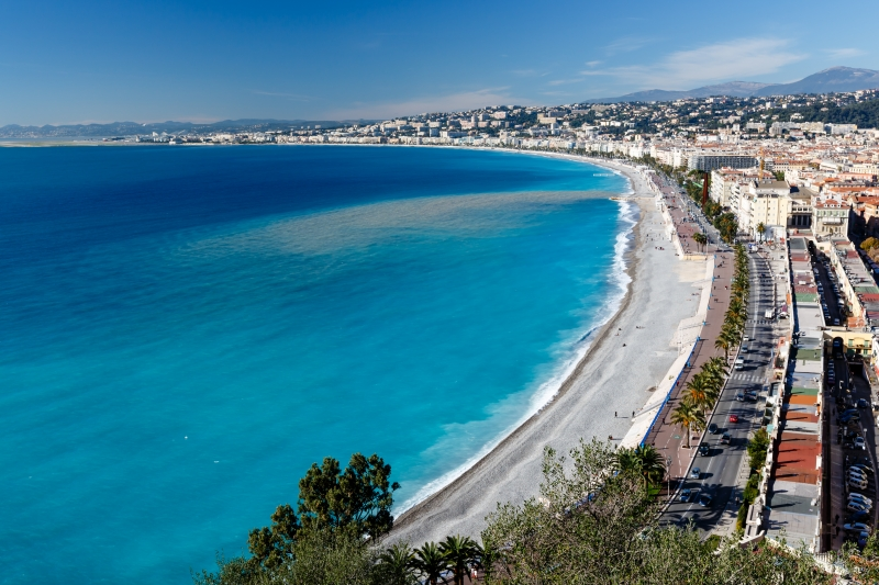 5158572-promenade-des-anglais-and-beautiful-beach-in-nice-french-riviera-france